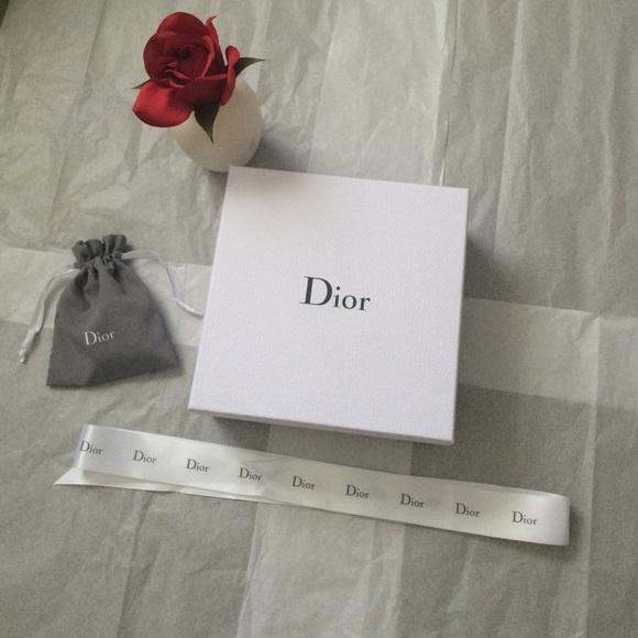 Dior accessories authentic gift box ribbon pouch free gift poshmark authentic dior gift box ribbon pouch free gift negle Images