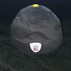 Reebok Accessories - YOUTH Reebok flex fit NFL Pittsburgh Steelers hat c743a0786