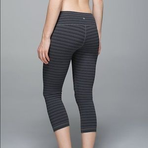 Lululemon Textured Striped Slate WUC size (6)