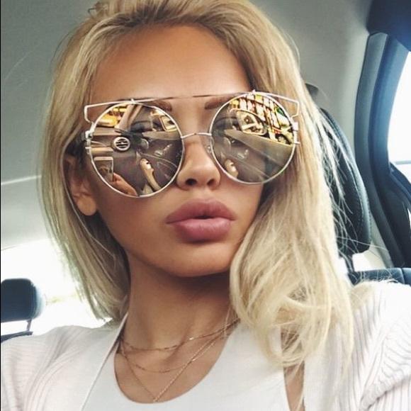 b17a669da9be Accessories   Gold Mirrored Wire Round Brow Bar Sunglasses   Poshmark