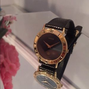 Gucci Vintage watch Gold and Black