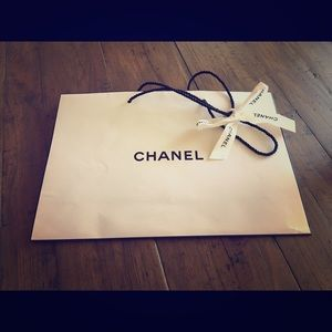 CHANEL Shopping Bag with Ribbon