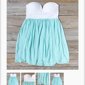 Spool 72 Dresses & Skirts - Sweetheart mint strapless Spool 72. Size M/L
