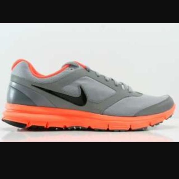 6d0bb9c7c5209 Nike women s H20 Repel Lunarfly 2. M 577d8c2b8f0fc408f200f60f