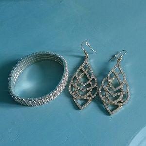 Jewelry - Earings & Bracelet set