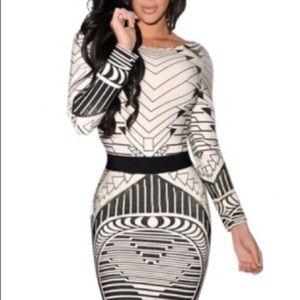 2eaa222ea Dresses   Skirts - Vestido de tela parecida a la lycra.