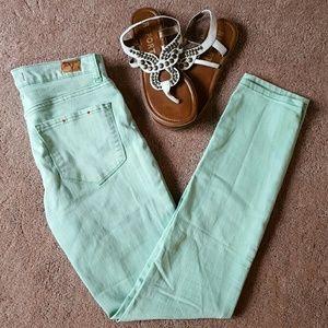 BDG Cigarette High rise jeans size 27