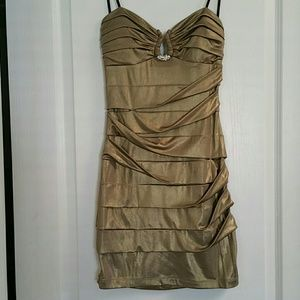 City Studio Dresses & Skirts - Pretty fitted strapless dress size M