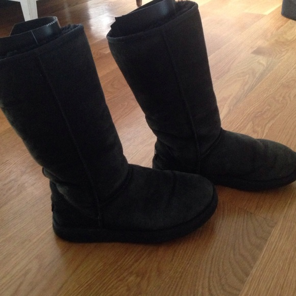 ugg tall black size 7