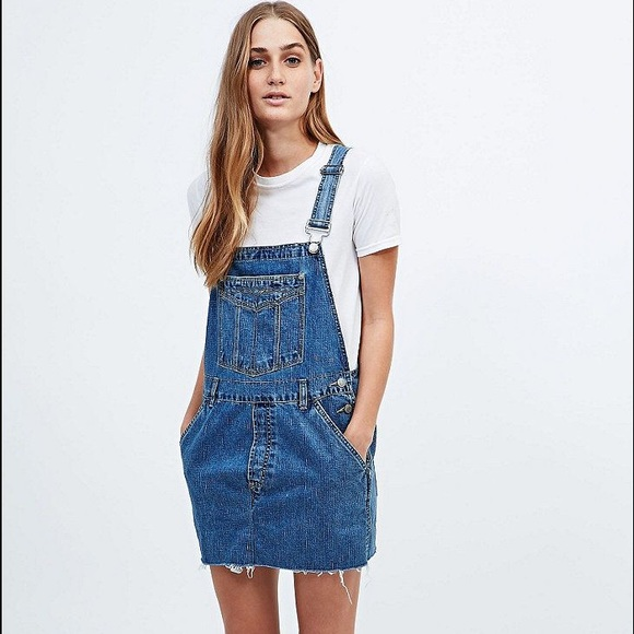 e90f942aabc Urban Outfitters Vintage 90 s Denim Overall Dress.  M 576c8e1313302a609f0265ce