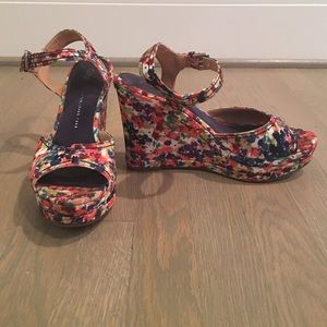 Gap Floral Wedges!