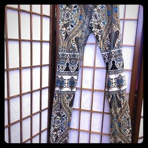 Paisley earth print.. Fashion leggings