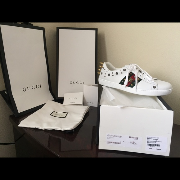 Gucci Ace Studded Low Tops Sneakers Size 7+