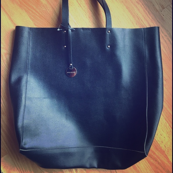 1e572a1307 SALE! 🆕Pulicati large black soft leather tote. M 576d6079713fde8cc803b7e1