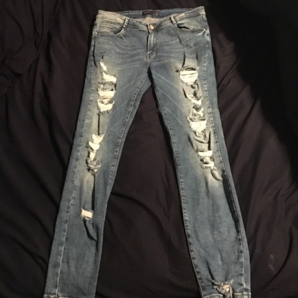 4aa453062c7 ZARA stretch skinny jeans with holes. M_576d627dc6c7959eb200546e
