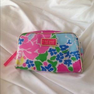 Brand new Lilly cosmetic bag