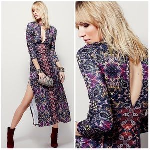 Free People Dresses & Skirts - NWOT Stunning Free People Printed Maxi Dress