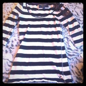 American Eagle Outfitters Tops - American Eagle Black & White Bandit 3/4 Length Top