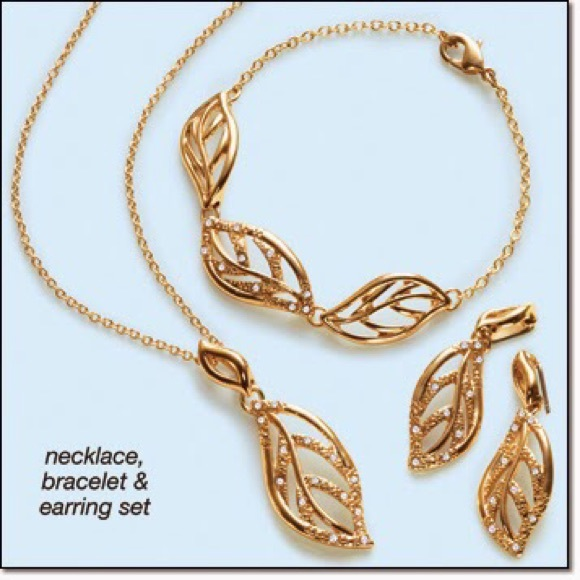 57 off Avon Jewelry Glimmering leaves embellished 3 piece gift