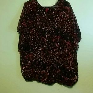 Black and Pink Floral Print Plus Size Top 4X