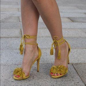 e3200b7d8f64 Steve Madden Shoes - ❌❌SOLD❌❌Steve Madden yellow fringe heels
