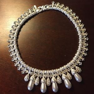 Jewelry - Silver tone and Faux Pearl Choker/Necklace
