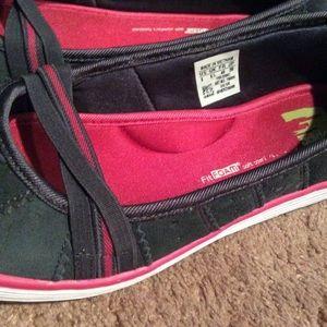 1a3e1538de3b0 Adidas Shoes - Adidas Memory Foam Shelltop Flats - women s 8