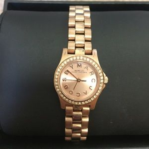 Marc Jacobs Henry dinky rose gold watch