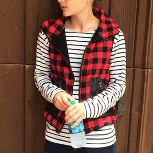 Boutique Jackets & Blazers - Price Drop!❤️Buffalo Check Quilted Vest