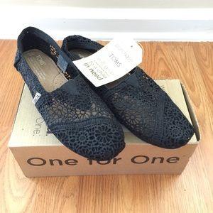 TOMS Classic Black Morrocan Crochet Flats