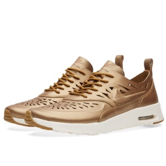 reputable site 899a7 3498b NWOT NIKE AIR MAX THEA JOLI Metallic Golden Shoes.  M 576ee78ec28456a19100d4f5