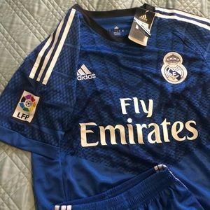 Fly Emirates Adidas Soccer / Football Set