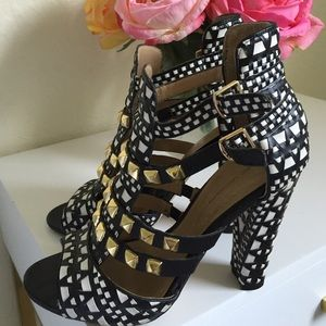 Zara tribal heels
