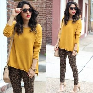 HUE Pants - Leopard Print Leggings