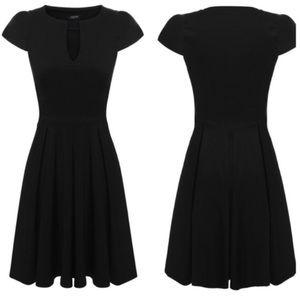 Dresses & Skirts - 🚺Fit & Flare V-Neck Dress