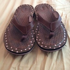 56e66f65424c35 Privo Shoes - Privo penny leather thong brown pink polka dot
