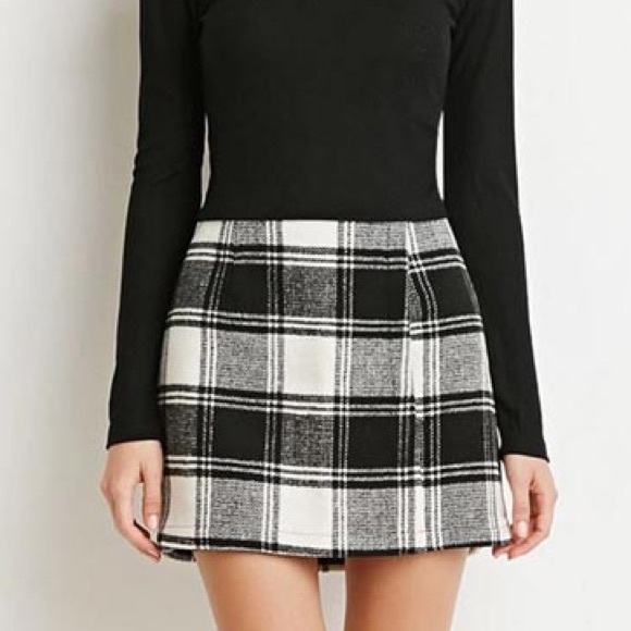 special sales diversified latest designs on feet shots of Forever 21 Black and White Plaid Skirt