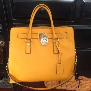 Michael Kors Handbags - Michael Kors Large Hamilton Satchel Tote Purse