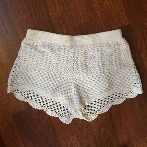 White crochet stretchy shorts
