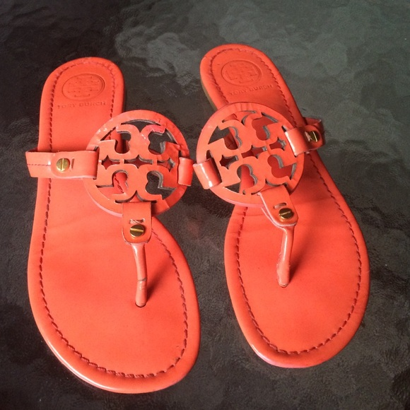 e9529ee5d Tory Burch Miller Thong Sandal Coral Size 7 Read👇.  M 576f7b46a88e7d002d078de7