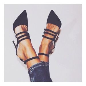 💣 Black Strappy Suede Heels 💣