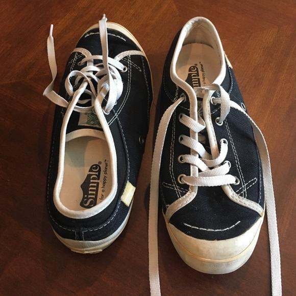 a4978095da2 Simple Women s Black Eco Sneaks Sneakers. M 576ff3e88f0fc455df003a8f