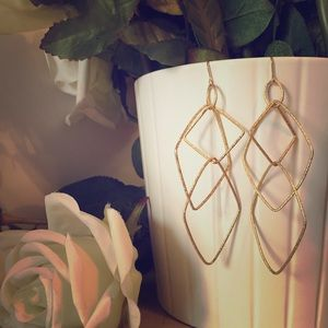 Jewelry - Gold geometric earrings✨