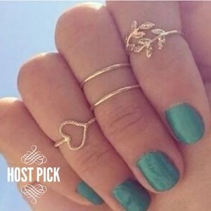 Jewelry - Set of 4 Gold Midi Rings