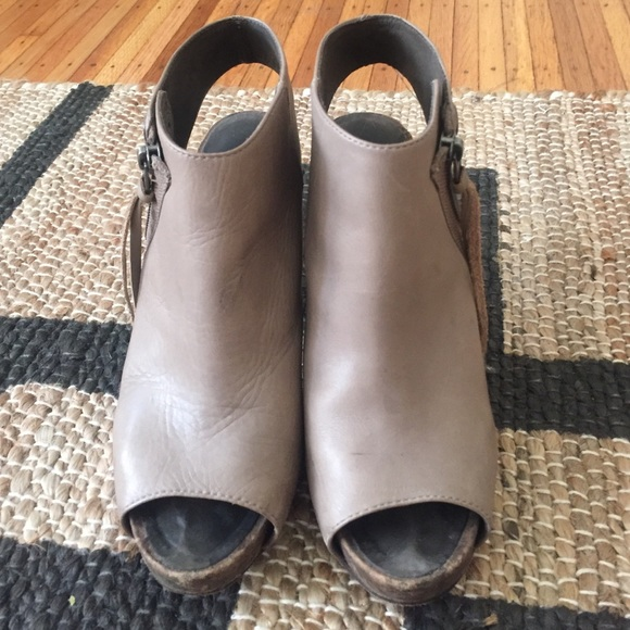 91 Off Joie Shoes Joie She S Electric Elephant Leather