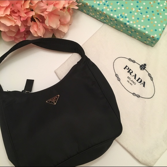 9b9a7c021fb88e vintage Prada tessuto nylon purse. M_5772a78778b31c19670051d8