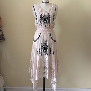 Free People Dresses & Skirts - Gorgeous Free People New Romantics Dress