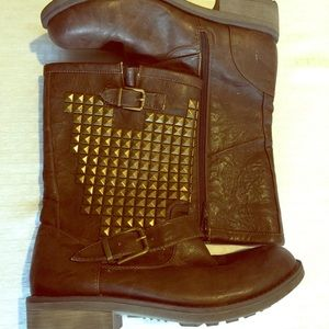 Studded motorcycle boots