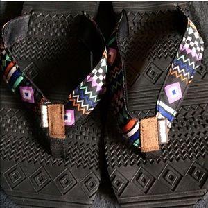 New Muk Luks flip flops