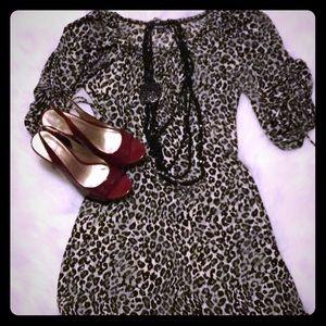 Dresses & Skirts - Leopard dress 🐆